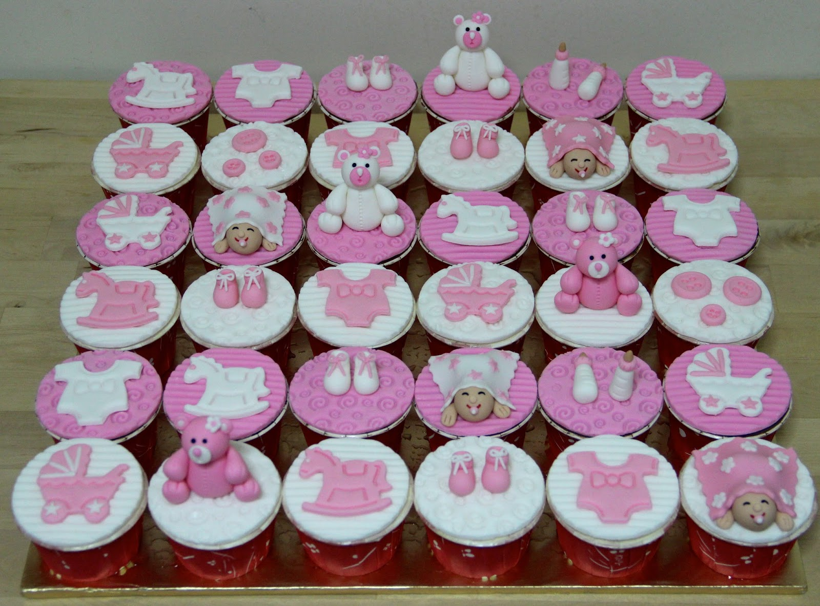 Baby Shower Cupcakes Ideas Pictures ~ Baby shower cakes and cupcakes ideas