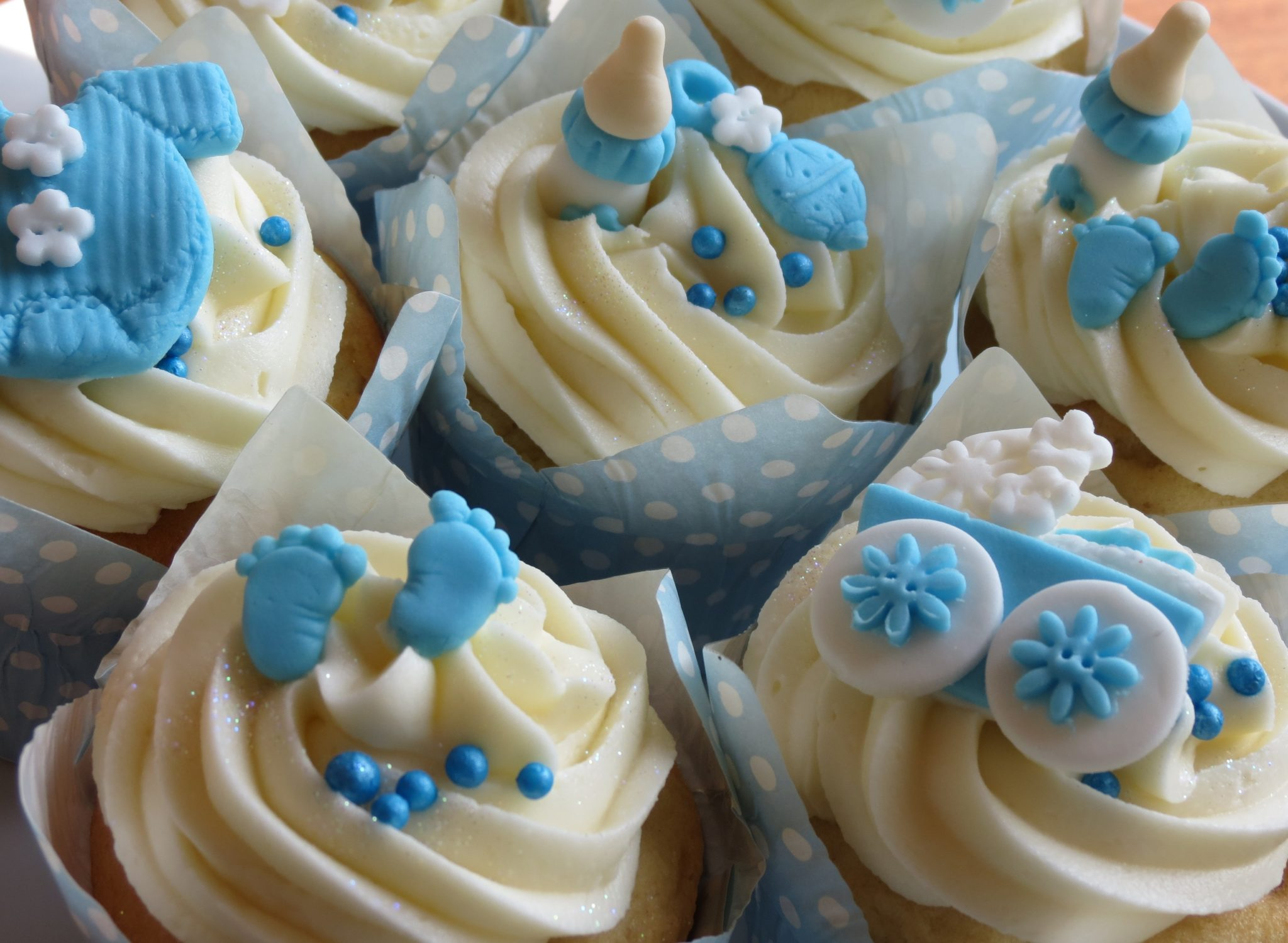 Baby Shower Cakes Cupcakes Pictures ~ Baby shower cakes and cupcakes ideas