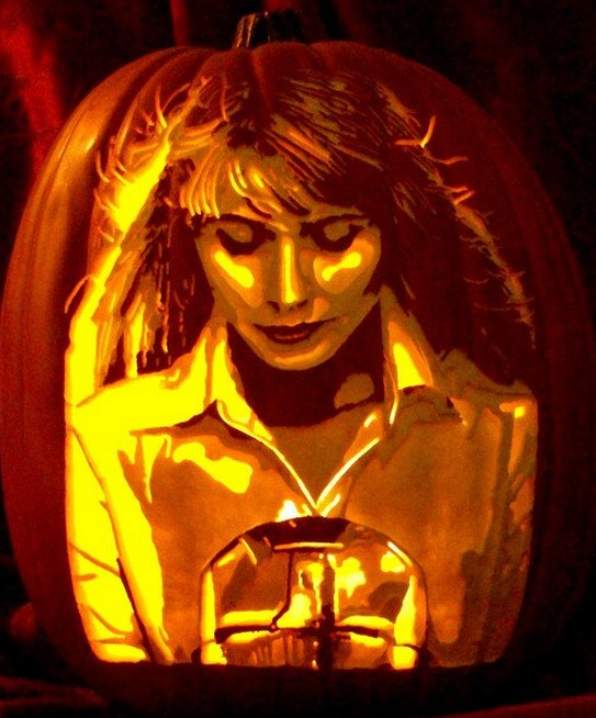 Pumpkin Carving Gwyneth Paltrow