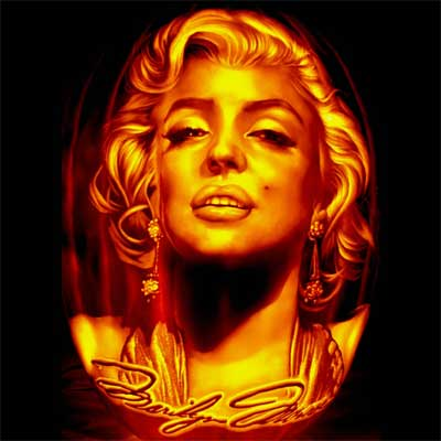 Pumpkin Carving Marilyn Monroe